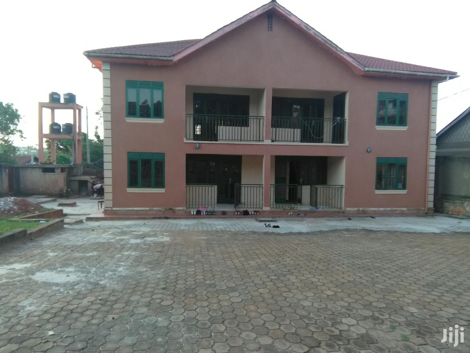 Three Bedroom Apartment In Makindye Near Main Road For Rent