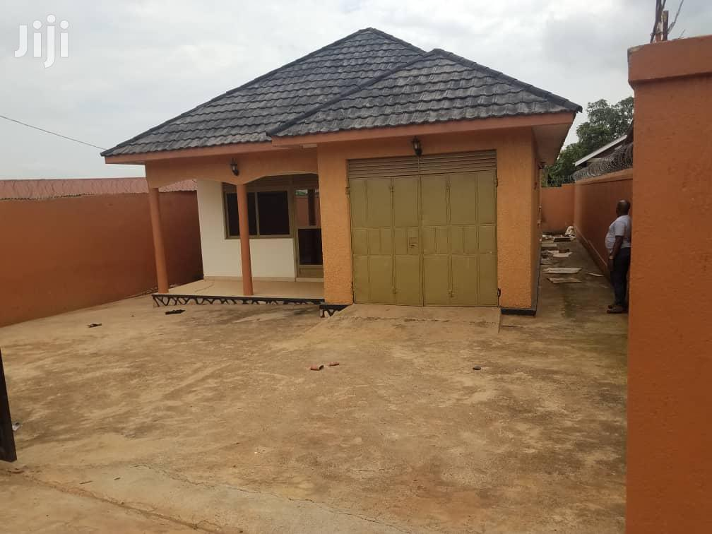 Three Bedroom House In Seeta Town For Sale
