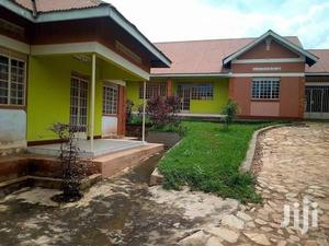 Mazing 2bedroom 2bathroom Self Contained In Kyaliwajjala | Houses & Apartments For Rent for sale in Kampala