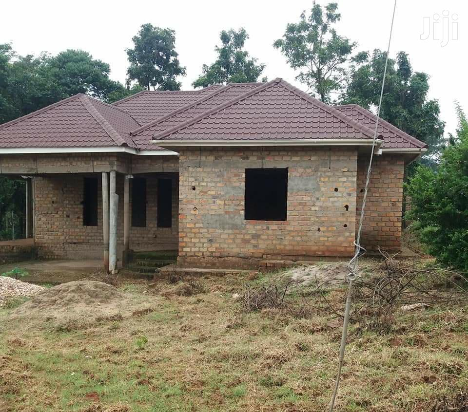 Three Bedroom Shell House In Seeta For Sale