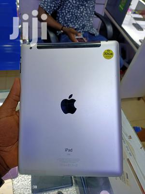 Apple iPad 3 Wi-Fi + Cellular 32 GB Silver   Tablets for sale in Kampala