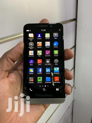 BlackBerry Z30 16 GB Black   Mobile Phones for sale in Kampala