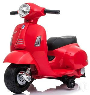 UK Licensed Vespa GTS 6V Ride on Scooter With Stabiliser 30W | Toys for sale in Kampala