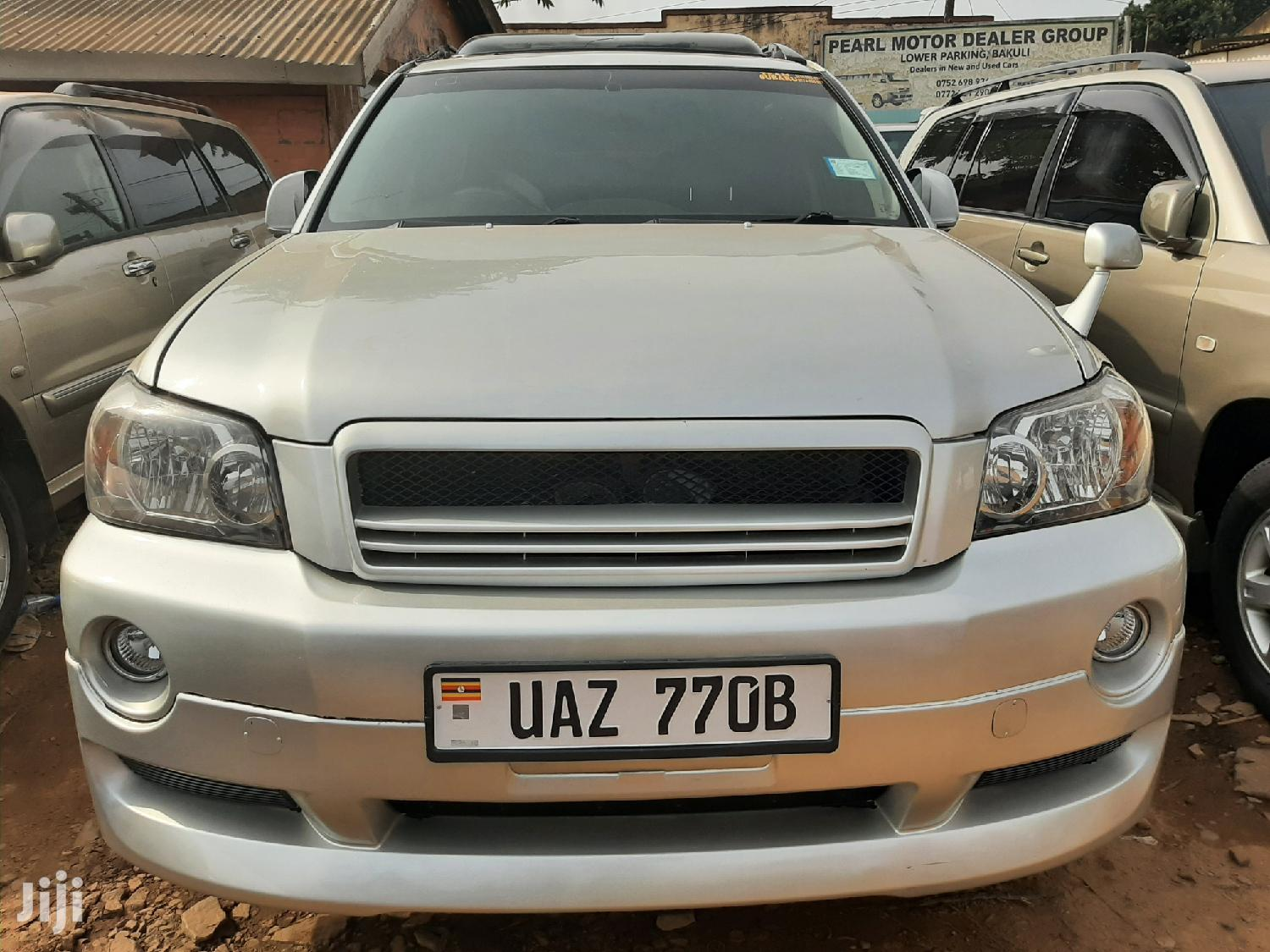 Toyota Kluger 2003 Silver