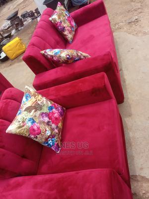 Beautiful Sofa Set | Furniture for sale in Kampala