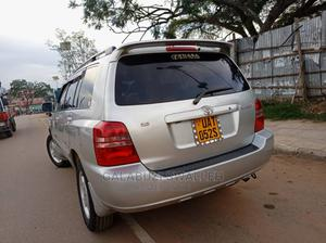 Toyota Kluger 2000 Silver | Cars for sale in Kampala