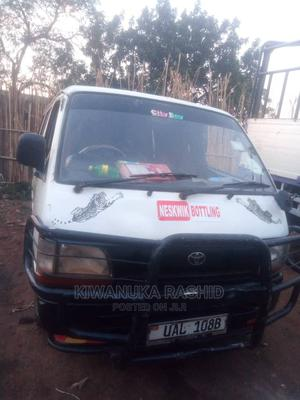 Toyota HiAce 2001   Buses & Microbuses for sale in Kampala