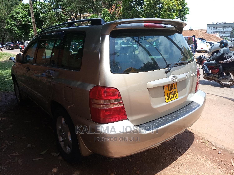 Toyota Kluger 2005 Silver   Cars for sale in Kampala, Uganda
