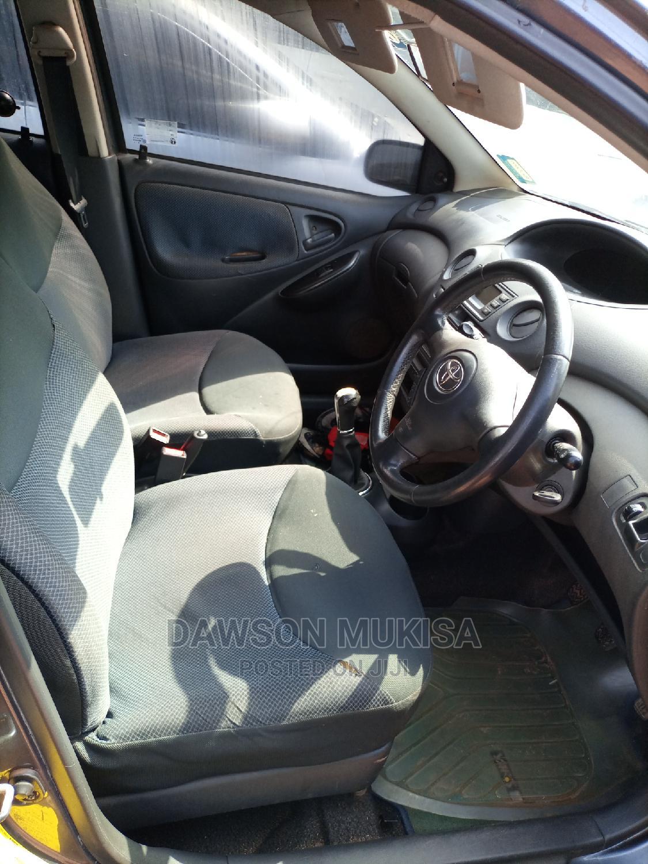 Archive: Toyota Vitz 2001 Gray