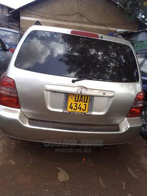Toyota Kluger 2003 Gold | Cars for sale in Kampala