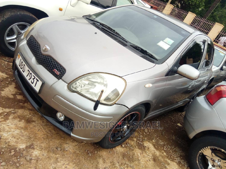 Toyota Vitz 2004 Gray