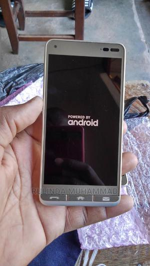 New Sharp Aquos Xx 32 GB Gold   Mobile Phones for sale in Kampala
