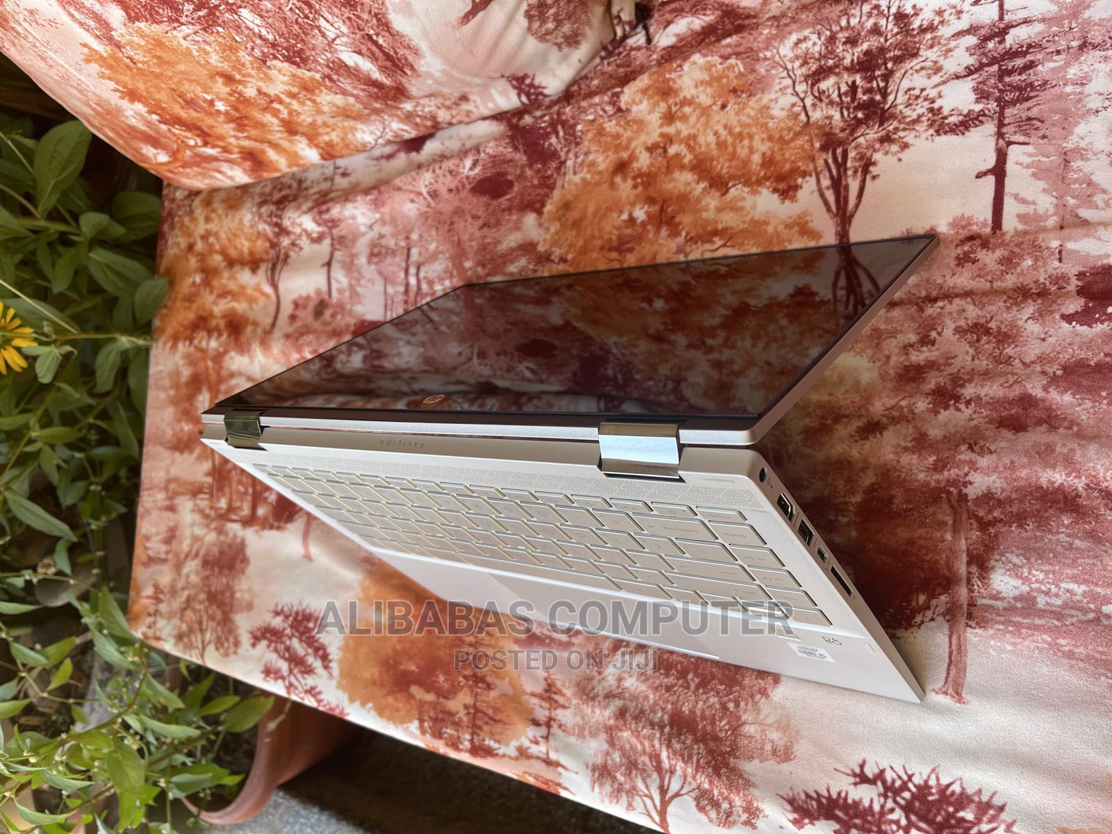 New Laptop HP Pavilion X360 8GB Intel Core I5 SSHD (Hybrid) 512GB