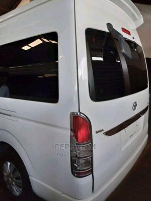 Toyota Van With Luxurious Interior | Buses & Microbuses for sale in Kampala