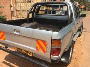Toyota Hilux 2000 | Cars for sale in Kampala