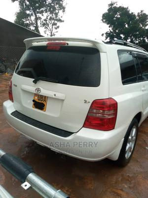 Toyota Kluger 2005 White | Cars for sale in Kampala