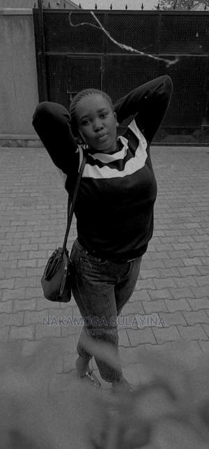 Applying for a Waitress Job | Restaurant & Bar CVs for sale in Kampala