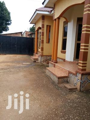 Very Nice Double Room For Rent Im Heart Of Makindye Near Main Road   Houses & Apartments For Rent for sale in Kampala
