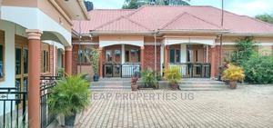 Furnished 2bdrm Chalet in Bajjo Estate, Goma for Rent | Houses & Apartments For Rent for sale in Mukono, Goma