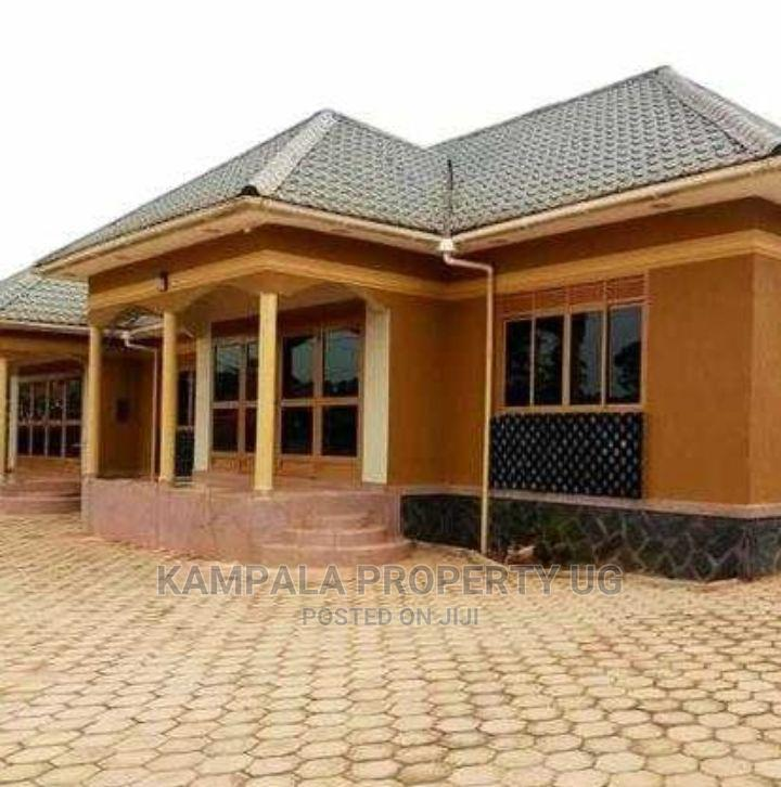 3bdrm Bungalow in Kyaliwajjala, Central Division for Rent