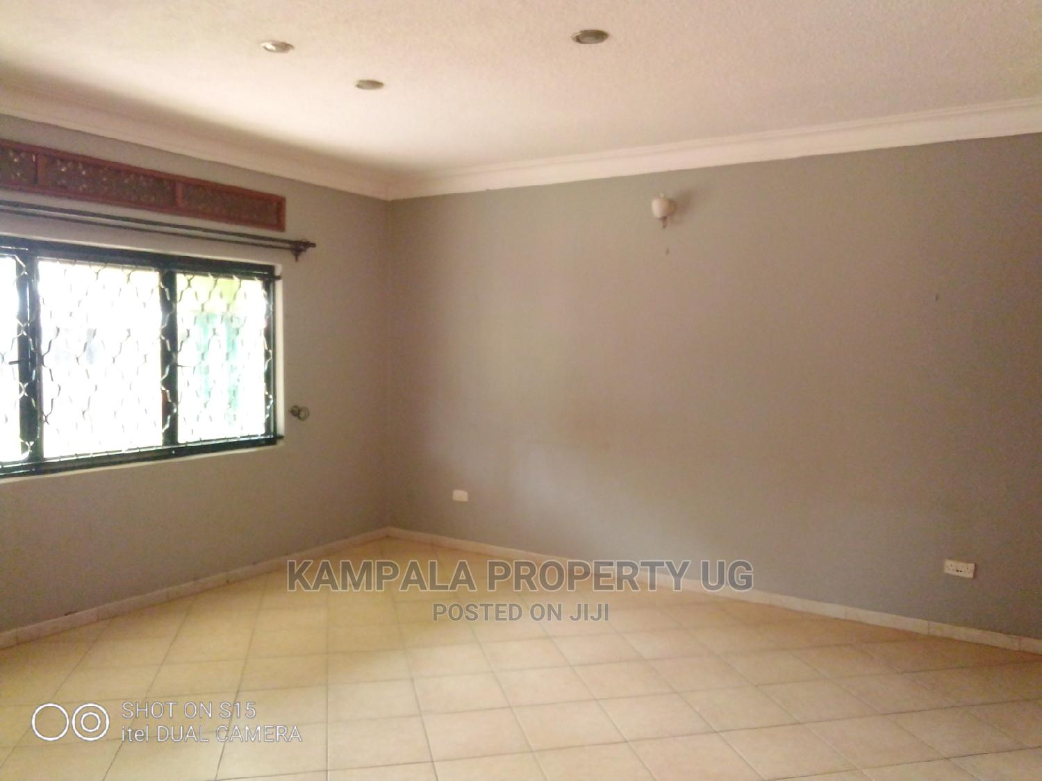 3bdrm Bungalow in Kyaliwajjala, Central Division for Rent   Houses & Apartments For Rent for sale in Central Division, Kampala, Uganda